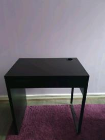 Black Tabel for Desktop or Study/Office Use