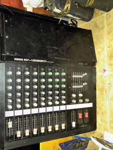 Yamaha EM2820 8 channel 200W powered mixer