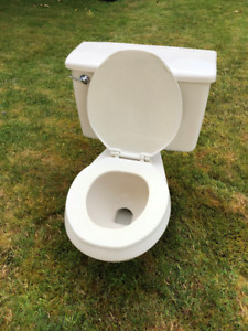Comfortable 2 Pc Toilet in perfect condition.