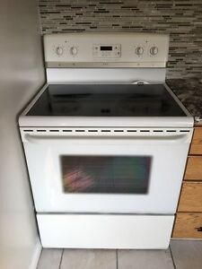 Frigidaire Electric Range - Excellent Condition - $100 OBO