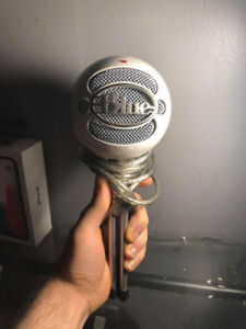 Blue Microphone Snowball White and Silver Ice Condenser-$55 OBO