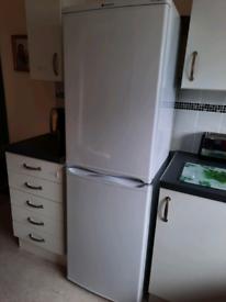 HOTPOINT HBD5517W 234 Litre Freestanding Fridge Freezer 50/50