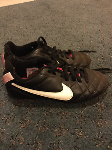 Soccer Shoes (size13)