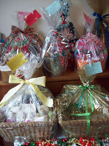 Many Beautiful Gift Baskets For Mother's Day & Sports Dog Kids