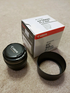 *MINT* Canon EF 50mm f/1.4 USM Lens with hood