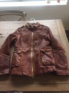 Manteau Mackage en cuir grandeur M