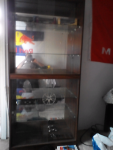 Free glass cabinet