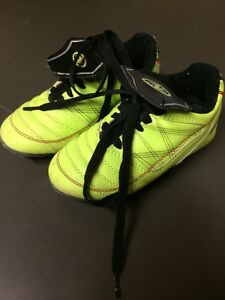 Toddler size 9 soccer cleats