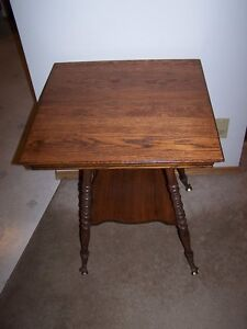 ANTIQUE SOLID DARK WOOD PARLOR TABLE WITH CLAW FEET,NICE!