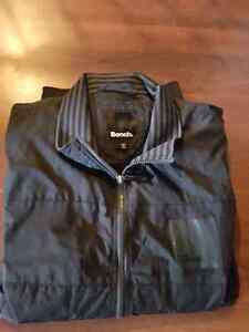 Mens BENCH Fall Jacket size XL (fits L/XL) almost new condition
