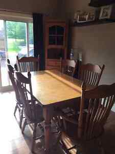 Solid Oak Dining table and chairs with corner hutch