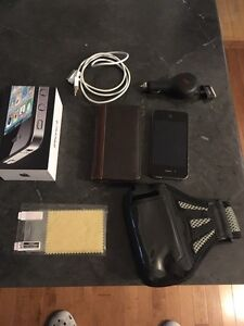 iPhone 4s with amenities