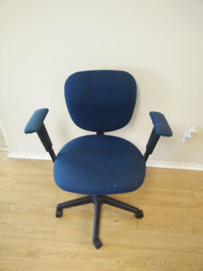 Office Computer Chair made by Global Upholstery For Sale