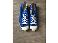 Royal blue genuine men's converse size 9