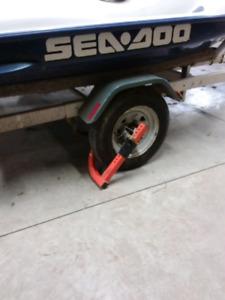 TRAILER KEEPER  Trailer wheel immobilizer