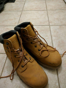 Size 13 steel toes (almost new condition)