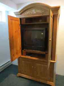 Beautiful Wood TV Television Stand, Hutch, Cabinet