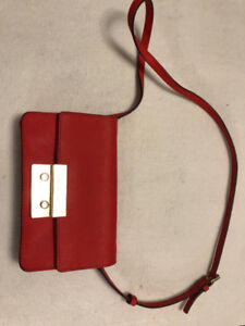 Micheal Kors small crossbody handbag **TEXT ME**