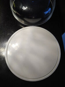Quartz dessert plate (cake plate) with glass lid Kitchener / Waterloo Kitchener Area image 2