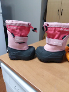 Toddler size 4 columbia snow boots