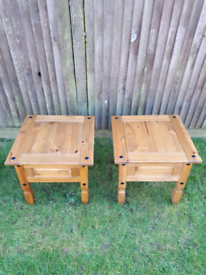 Small Side Tables X2 In Pine - Corona