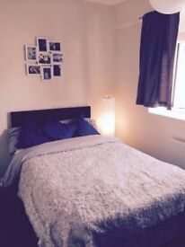 Double room to rent, available immediately in the Nottingham, city centre. All bills included.