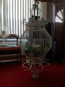 ANTIQUE STYLE WROUGHT IRON BIRD CAGE