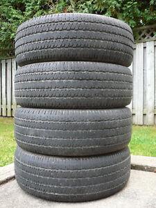 4 pneus Bridgestone 235/65 R16 pour l'été