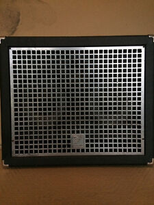 Excellent Yorkville XC210 compact speaker cabinet