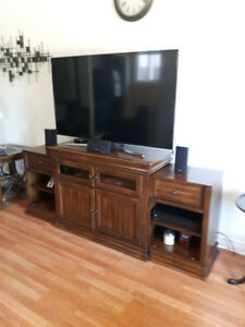 Expandable T.V.  stand (wood)