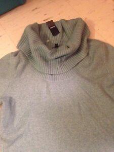 Reitmans sweater NWT! M Kingston Kingston Area image 2