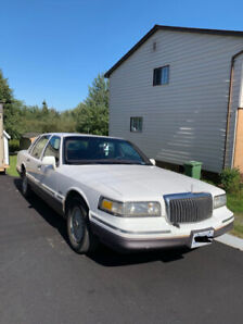 1997 Lincoln Town Car, MUST GO!!