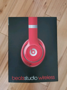 Beats studio wireless mint