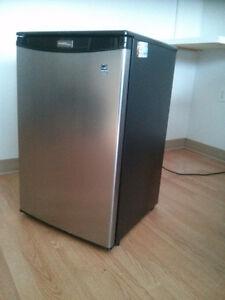 Réfrigérateur Danby Designer