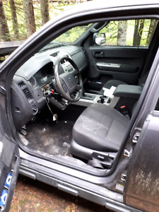 PARTING OUT 2010 FORD ESCAPE