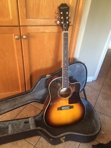 450$ Electric Acoustic Epiphone AJ-220SCE w/ Hard Shell Case