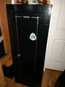Gun safe stack on