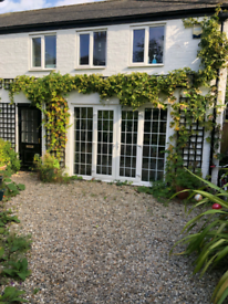 2 bedroom cottage in Deal Kent all bills included available November