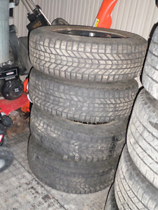 P215/70R16 Firestone Winterforce MV
