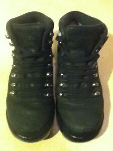 Women's Roots Leather Shoes Size 6.5 London Ontario image 2