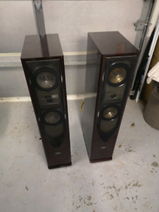 Matching set of tower speakers
