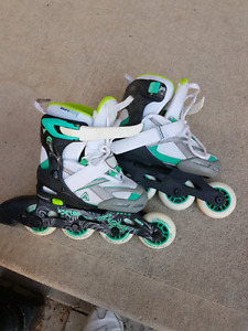 Youth Girls adjustable rollerblades