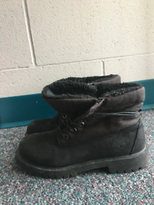 Women's Black Timberland winter boots -size 5.5