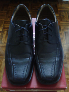 LIKE NEW Men's Leather Dress Shoes by Dexter