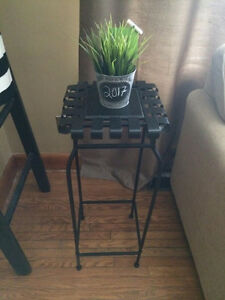 Winner's Plant Stand/ Side Table
