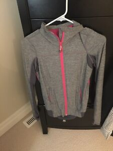 Size 8 both excellent condition London Ontario image 2