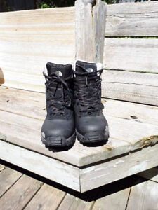 Mens North Face Winter Boots - mint condition $100