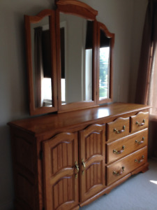 """BEAUTIFUL""   SOLID OAK VINTAGE 2 PC. Bedroom Dresser/Mirror Set"