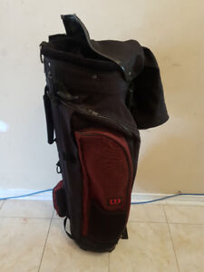 WILSON GOLF BAG AND 6 TOUR CLASSIC CLUBS