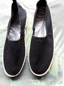 Sz 9 Mens  Black Summer Slip On Loafer Shoes (Never Used!)
